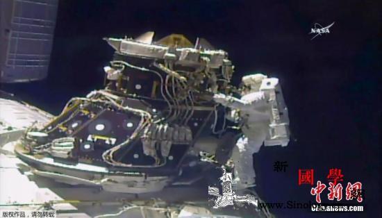 美宇航员:不排除神舟飞船成空间站运输_神舟-宇航员-空间站-