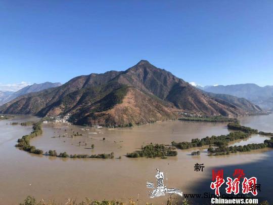 金沙江堰塞湖溃流凶猛入滇7座桥梁被毁_迪庆-金沙江-云南省-