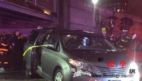 纽约曼哈顿华埠厢型车失控撞7人致1名_华埠-世界日报-街市-