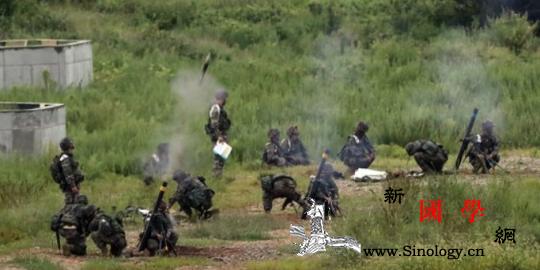 韩国前线部队训练时突发意外炮弹射偏8_韩国-炮弹-射击-