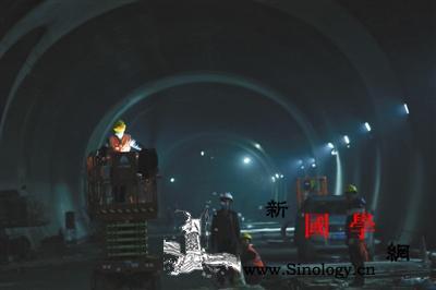 京张高铁最长隧道顺利贯通预计明年三四_延庆-铺轨-长城-