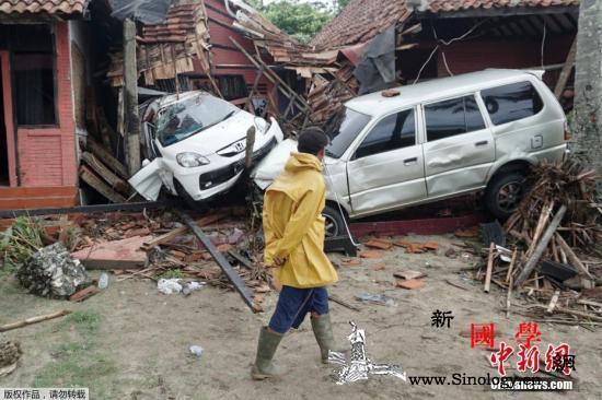 印尼巽他海峡海啸灾民:有家也不敢回_雅加达-印尼-灾民-