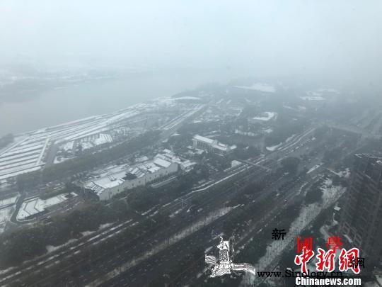 """江南遭遇大雪突袭""""一夜白头""""_降雪-皑皑-江南地区-"""