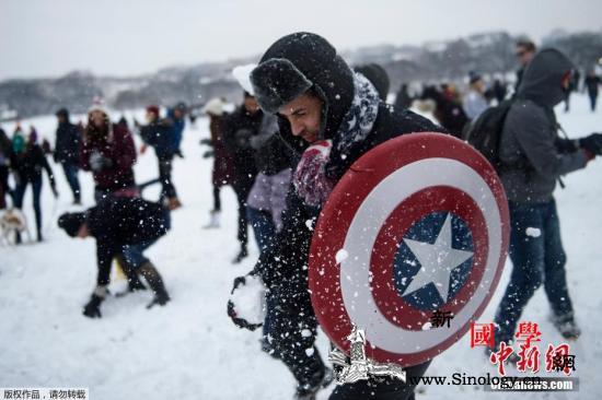 冬季风暴席卷美国致航班取消车祸频发2_弗吉尼亚州-华盛顿-国家气象局-