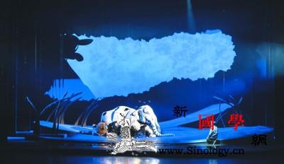 《最后一头战象》:让中国传奇故事走向_木偶-观众-舞台-故事-