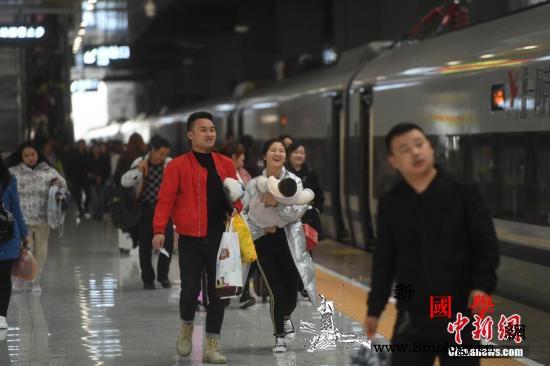 2019年铁路春运收官发送旅客首次突_客流-春运-旅客-