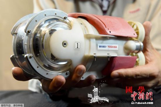 福岛机器人研发基地公开试验设施:蛇形_反应堆-机器人-东芝-