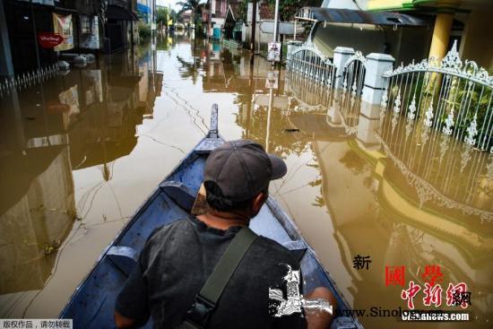 暴雨袭击印尼巴布亚省引发洪水致至少4_印尼-洪水-暴雨-