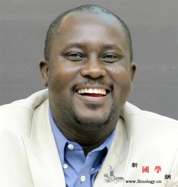 尼日利亚悼念在埃航空难中去世的作家阿_尼日利亚-法语-加拿大-悼念-