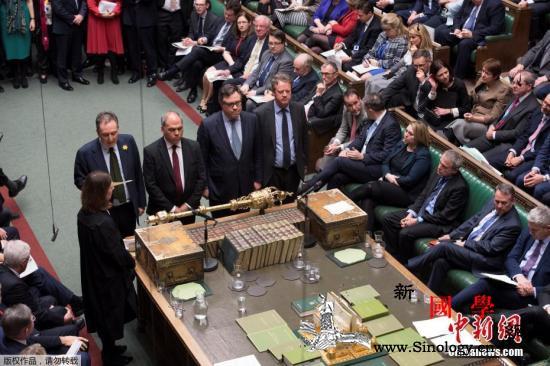 英议会否决所有脱欧选项特蕾莎·梅赌上_英国-议会-议员-