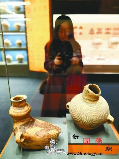 民族融合的多彩文化_彩陶-展柜-青海-金牌-