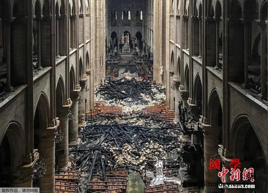 巴黎圣母院大火或系意外?马克龙欲5年_布宜诺斯艾利斯-巴黎-法国-