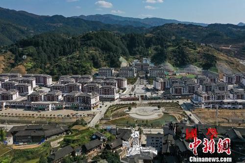 中国地方发力拓宽就业路解决易地搬迁后_贵州省-扶贫-搬迁-