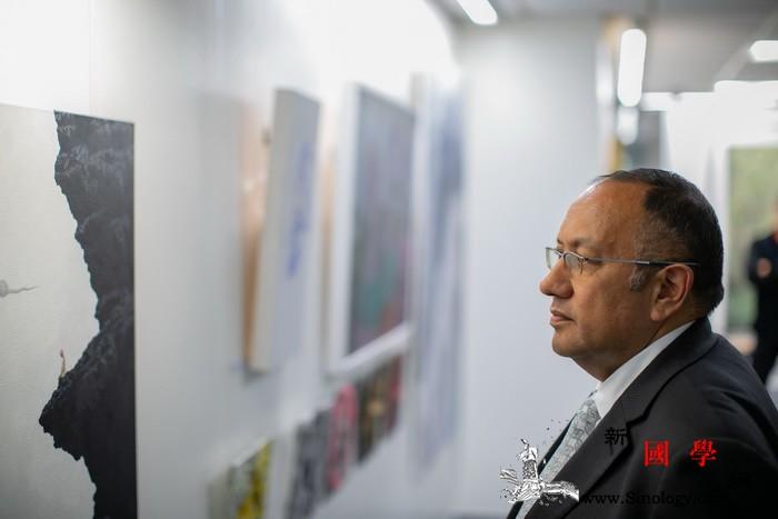 中新艺术交流展亮相新西兰国会艺术中心_惠灵顿-国会-画家-艺术家-