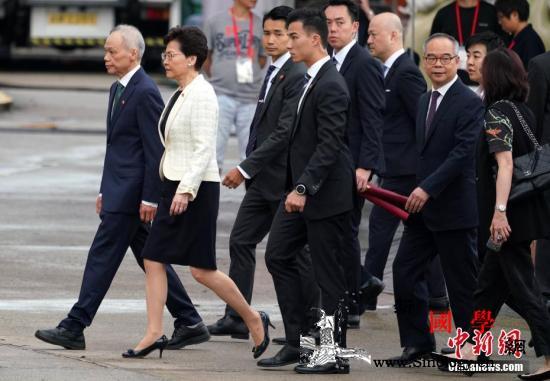 香港市民回归心声:走过22年不容易_香港特别行政区-香港-向前-