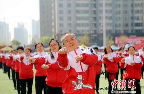 卫健委:中国人均预期寿命77岁健康预_慢性病-老年人-寿命-
