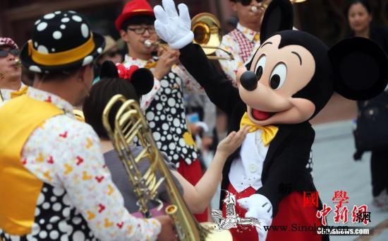 三问上海迪士尼禁带食品入园管理需要还_上海-迪士尼-游客-