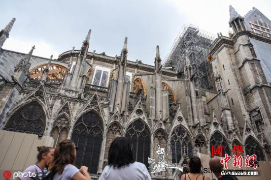 重建工作困难重重巴黎圣母院石块掉落仍_巴黎-法国-文化部-