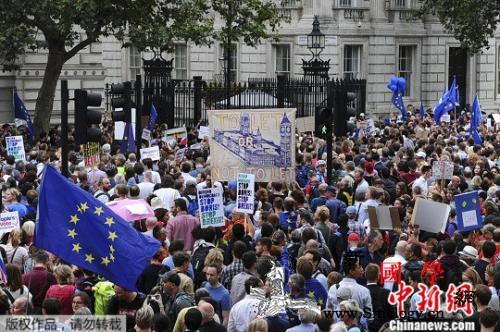"""约翰逊""""休会""""誓与欧盟""""会一会""""脱_约翰逊-休会-英国-"""