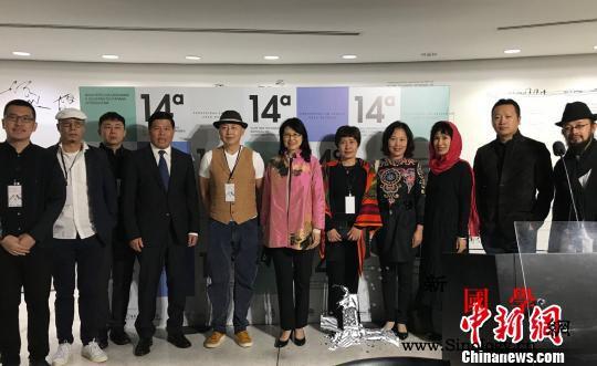 中国艺术品亮相第14届巴西库里蒂巴国_参赞-巴西-库里-双年展-