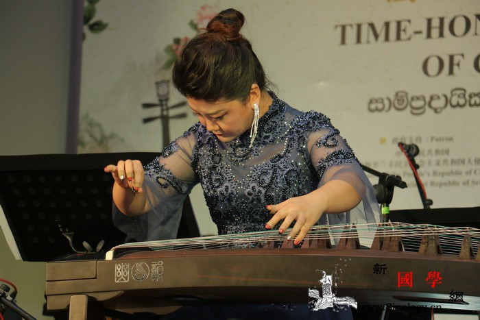 中国民乐奏响斯里兰卡校园_圣保罗-斯里兰卡-同学们-民乐-