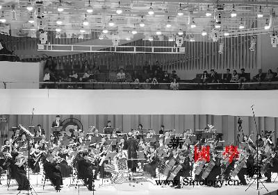 第五届中国西部交响乐周:用音乐传递人_交响乐团-成都-爱乐乐团-交响乐-