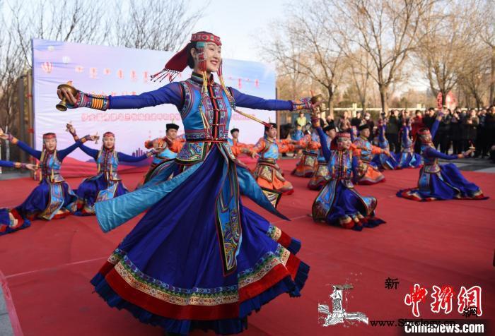 内蒙古优秀乌兰牧骑进行展演初冬点燃草_乌兰牧骑-西乌珠穆沁旗-阿鲁科尔沁旗-
