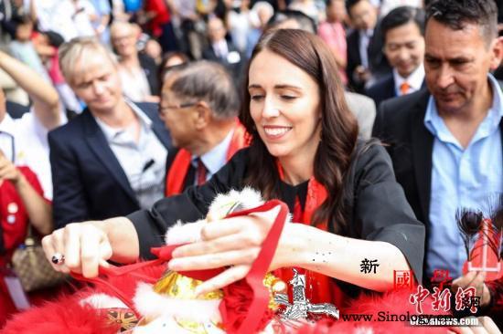新西兰总理请假拔智齿记者们关心要花多_智齿-牙医-阿德-