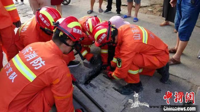 山东消防平均每10分钟投入一场战斗一_指战员-山东-图为-