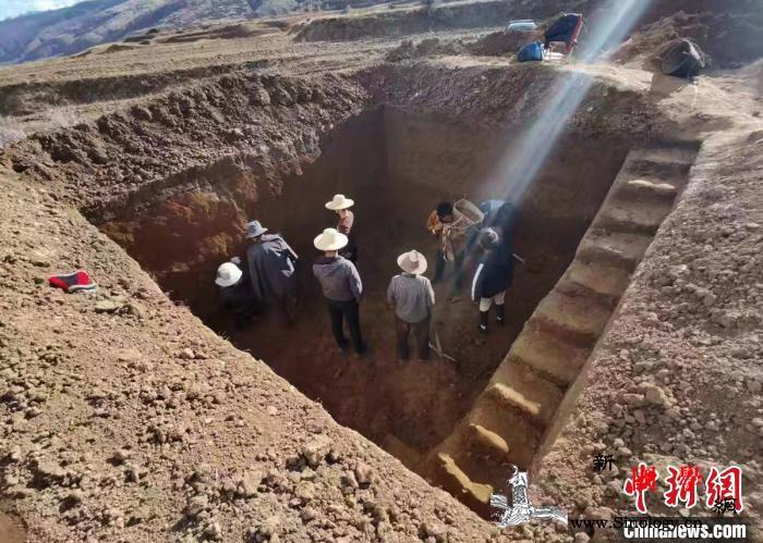 四川炉霍发现疑似距今10余万年的手斧_手斧-炉霍-考古-
