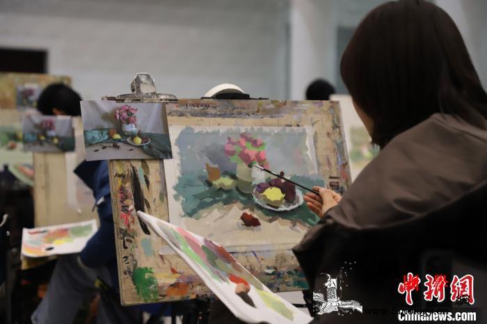 宁夏举办首届艺考美术模拟联考2500_联考-考生-同场-