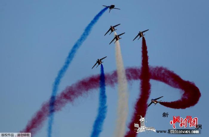 奥运圣火抵达当天日本将举行五环彩烟飞_表演队-东京-日本-