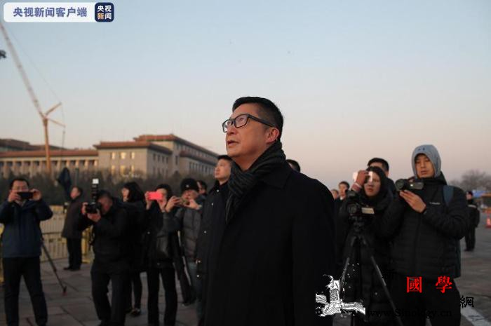 香港特区政府警务处处长邓炳强在天安门_天安门广场-画中画-警务-
