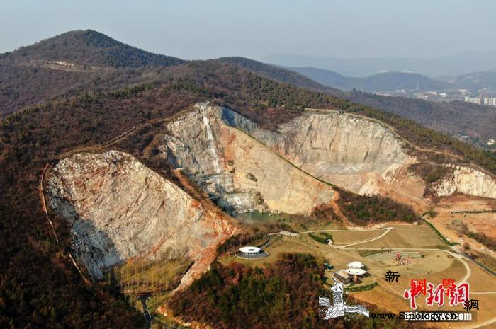 """中国推进绿色矿山建设探索""""矿区变景区_矿区-景区-矿山-"""
