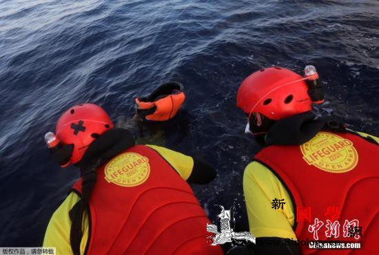 国际移民组织:2019年已有10万移_难民-移民-船体-