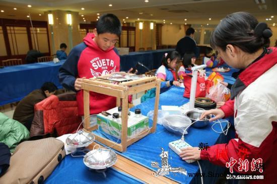 穗青少年科创大赛展出河水监测无人船等_广州-参赛-项目-