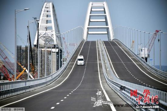 克里米亚大桥铁路桥开通_克里米亚-波尔-乌克兰-
