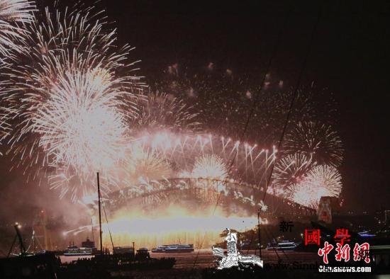 悉尼跨年庆典十万支烟花整装待发_格里-悉尼-澳大利亚-