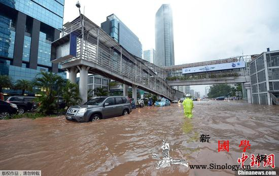 印尼雅加达跨年夜暴雨引发洪灾已致21_雅加达-印度尼西亚-印尼-