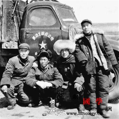 老书记陶振华率乡亲修路架桥为雪乡带来_修路-乡亲-藏族-
