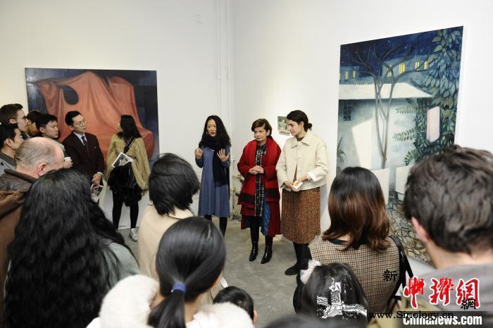 """法国艺术家禾碧霖邀观众一起""""入画""""_画作-法国-驻地-北京-"""