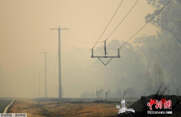 苦中作乐:澳林火持续加重旱情小镇居民_澳大利亚-解渴-居民-