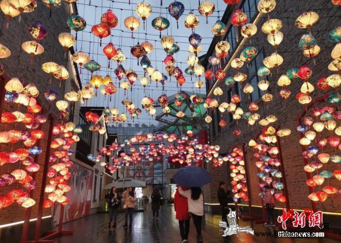 """看春晚、发红包、逛庙会……中国""""年味_旧金山-日本-春晚-"""