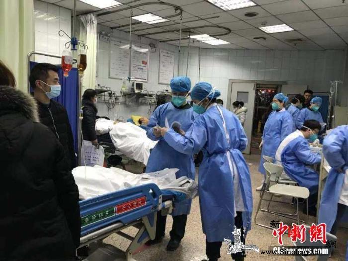 """对话武汉新型肺炎患者:""""没有他们我肯_武汉-肺炎-医护人员-"""