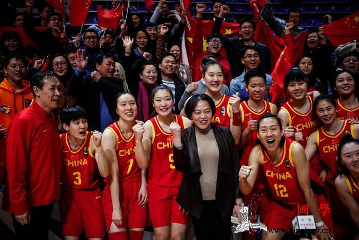 中国女篮势若长虹三连胜昂首晋级东京_东京-女篮-塞尔维亚-奥运会-