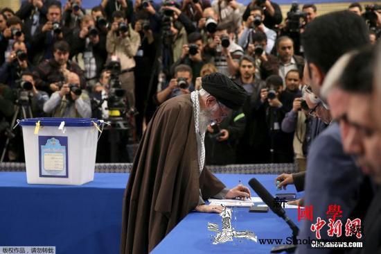 伊朗内政部长:议会选举投票率为42._伊朗-画中画-赫尔-