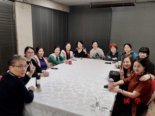 """驻克赖斯特彻奇总领馆举办庆祝""""三&m_馆员-总领事-赖斯-女性-"""