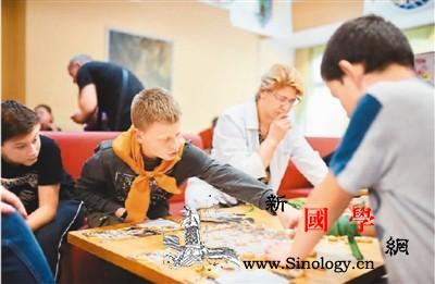 汉语教师海外任教:文化互动不能少_白俄罗斯-波兰-孔子-汉语-