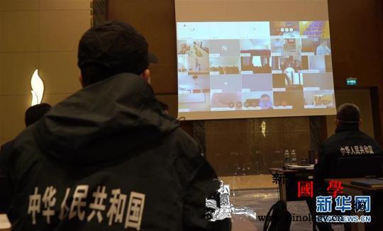 中国援助哈萨克斯坦医疗队与哈医护人员_哈萨克斯坦-医疗队-交流经验-
