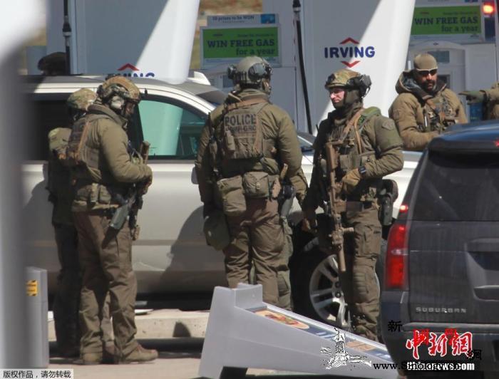 加拿大大规模gunqiang案已致2_骑警-加拿大-皇家-